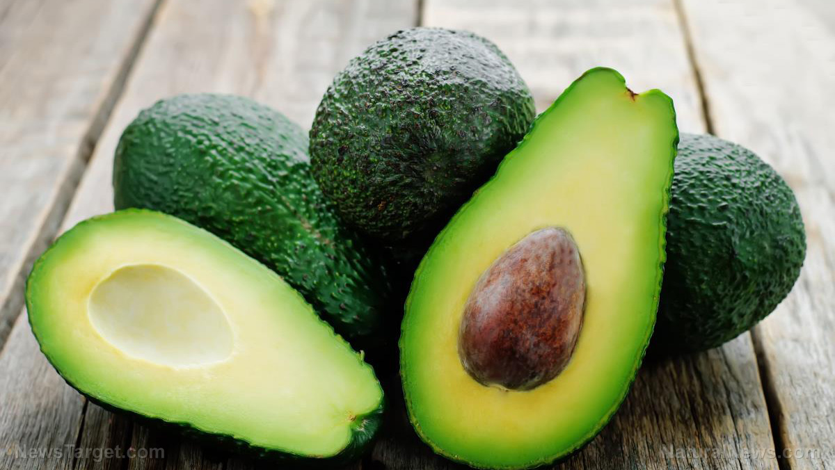 Image: Stupid people keep cutting themselves while trying to open avocados, so doctors have called for avocados to come with warning labels