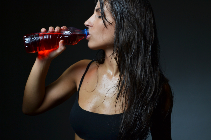 Image: Sports drinks exposed as BOGUS liquids that contradict effective workouts