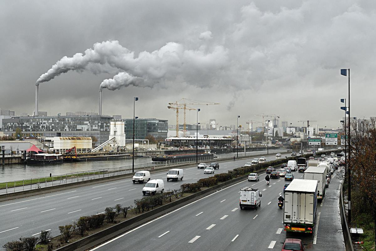 Image: Diesel fumes' nanoparticles cause heart disease by just BREATHING polluted city air