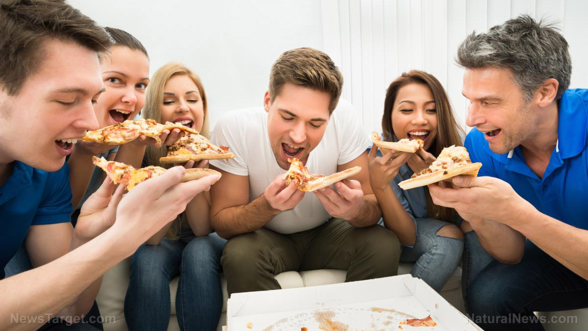 Image: 98% Of college students will divulge their friends' emails for a piece of PIZZA