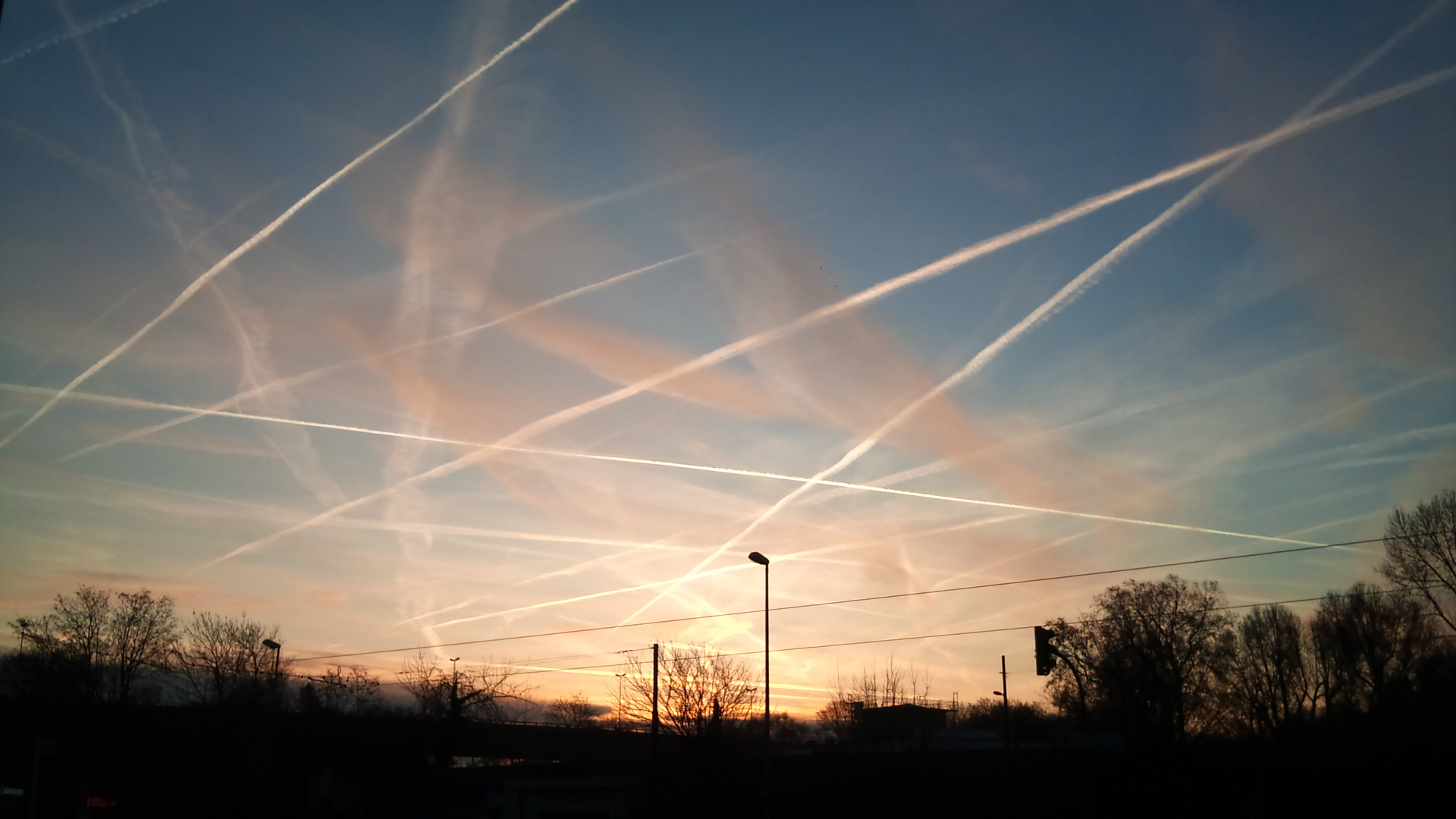 "Image: After mocking ""chemtrails"" for over a decade, global elites suddenly announce geoengineering plan to ""dim the sun"" with aerial spraying"