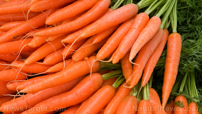 Image: Carrots and bananas are some of the best raw foods to eat for a healthy mind