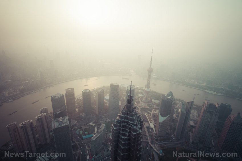 Image: China is losing its pollution war: Levels of harmful ozone rise up as particulate matter drops