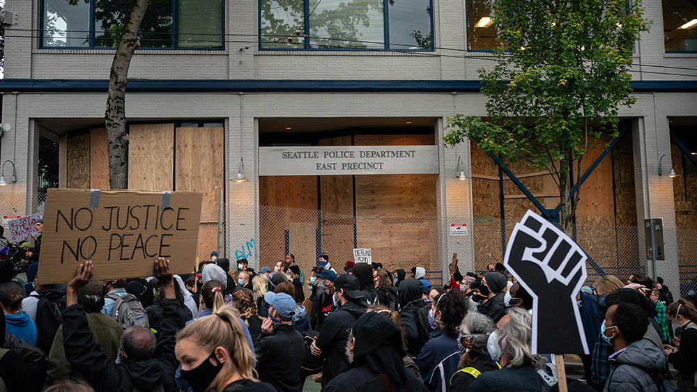"Image: ""I refuse to work for this socialist city council"" – Seattle police resigning in droves due to city's anti-police environment"